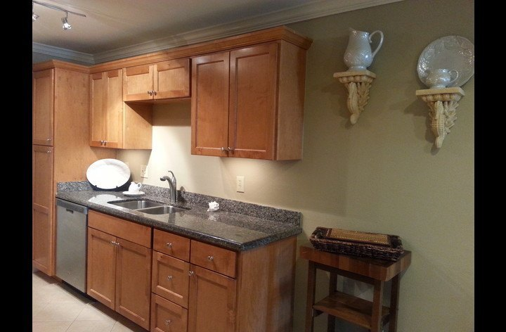 Granite countertops vacation rental kitchen